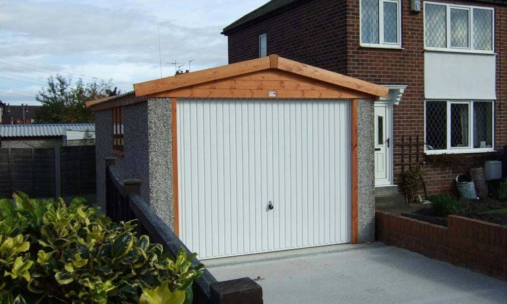 Single Apex Large garage next to house
