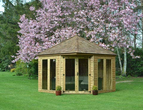 Henley Summerhouse in field